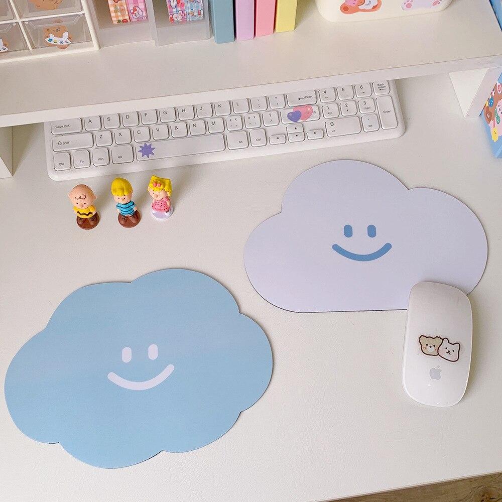 Милый нескользящий коврик для мышек с облаком, милый коврик для мышек с аниме, большой Настольный коврик, накладки, коврик для чашки, мультяш... недорого