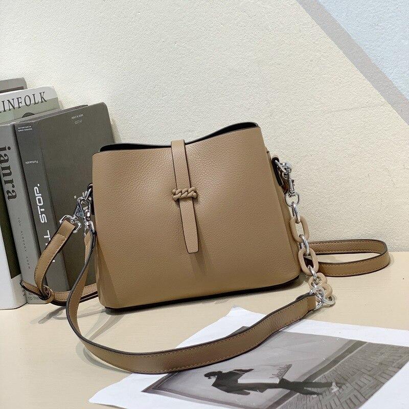 100% جلد طبيعي المرأة حقيبة يد المرأة حقيبة عالية الجودة سلسلة الإناث حقائب كتف العلامة التجارية الفاخرة جلد البقر السيدات حقيبة ساعي