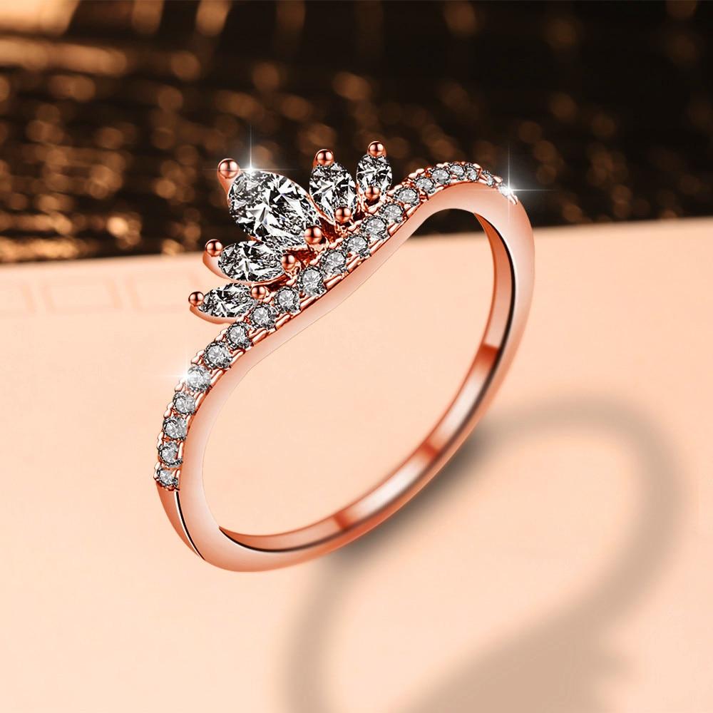 Bonito Feminino Romântico Pequena Coroa Anel Elegante Anel de Ouro Rosa Zircão Branco Anel De Pedra Moda Promessa Anéis de Noivado Para As Mulheres