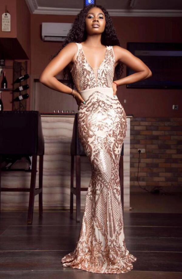 Christmas Dress Sexy V Neck Mesh Sequins Summer Maxi Long Women Dress 2019 Designer Fashion Party Dress Vestido