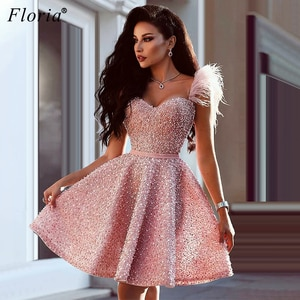 Dubai Pink Pearls Cocktail Dresses Sweetheart Beading Prom Dresses Women Party Night Mini Vestidos De Fiesta Feathers Robes