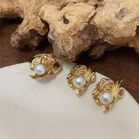 2021 korean heavy industry ins irregular retro metal folds leaf inlaid pearl ring personalized color retention ring