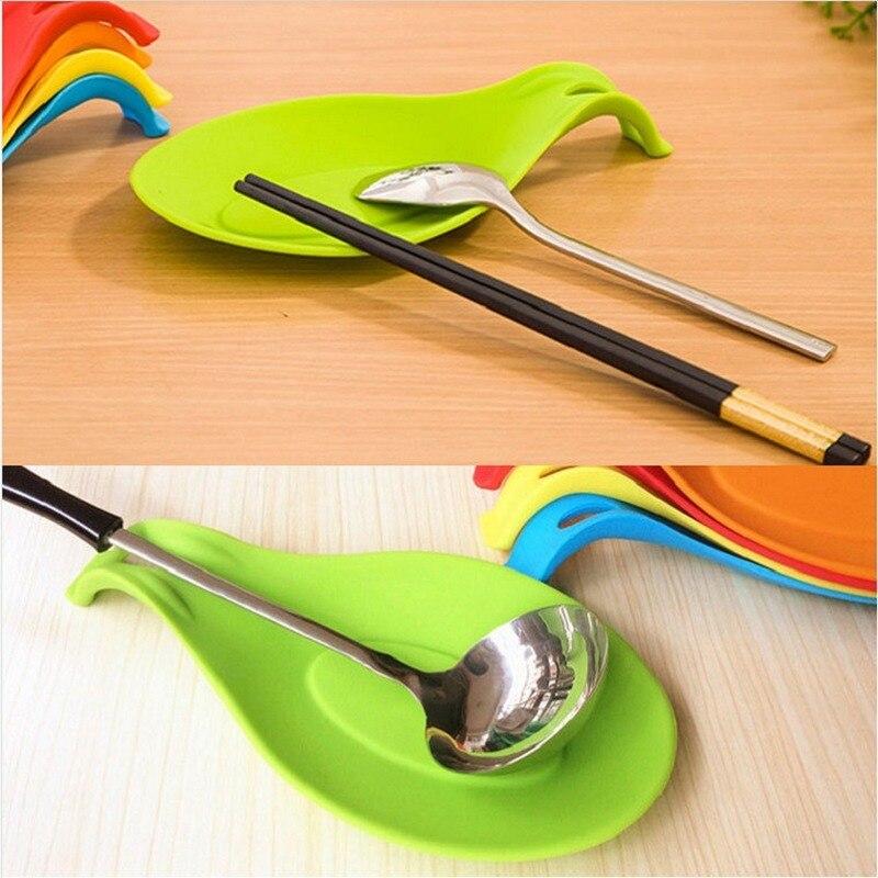 Almohadilla de silicona multiusos para el descanso de la cuchara Gel de sílice de categoría alimentaria Dispositivo de cocina