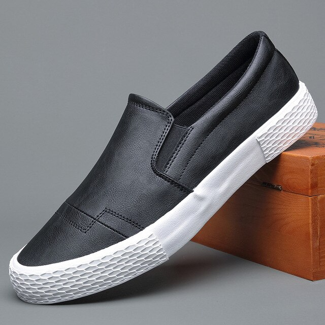 New Men Leather Casual Shoes Man Spring Autumn Hot Fashion Slip-On Cool Loafers Leisure Flat High Quality