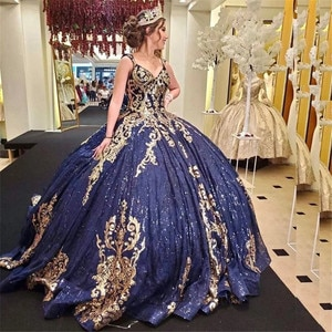 2021 Spaghetti Straps Gold Appliques Ball Gown Quinceanera Dress Open Back Sweet 16 Prom Party Dress Vestidos De 15 Años