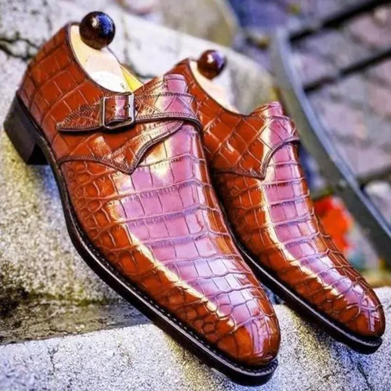Фото - 2021 New Style Comfortable Classic Fashion Business Casual Handmade Men's PU Pure Color Crocodile Pattern Monk Shoes  ZQ0201 crocodile style