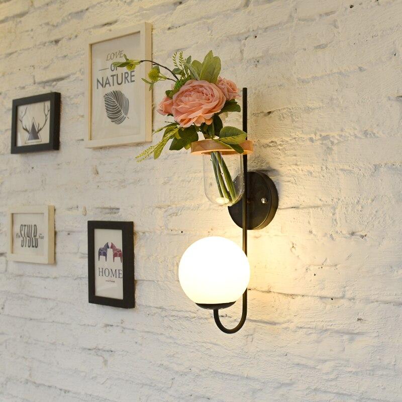 Lámpara de pared para cabecera de dormitorio nórdico, lámpara de pared con planta verde, lámpara de pared de TV simple, lámpara de pared de madera para pasillo, lámpara nórdica para viento
