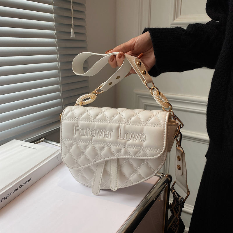 Niche design bag ladies 2021 new trendy wide shoulder strap single shoulder messenger bag net red female bag saddle bag