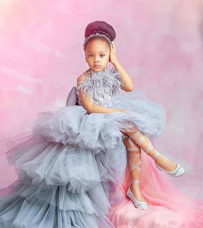 Luxury Gray  Feather High Low Flower Girl Dress With 3D Floral Appliques Beading Bow Tiered Tulle Kids Prom Birthday Dress