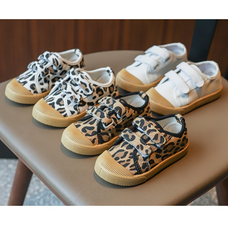 girls flower shoes children canvas shoes 2018 autumn fashion embroidered girls soft breathable cloth kids dance shoes high heels Kids Canvas Shoes 2020 Autumn Children Casual Sneakers Toddlers Girls Sports Shoes Running Fashion Leopard Soft Breathable Shoes