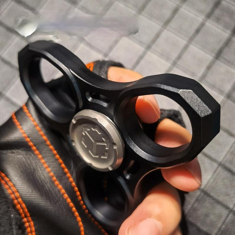 T01 Tactical Fingertip Gyro Multi-Functional EDC Finger Lock Titanium Alloy Handle Play Self-Defense Boring Decompression Toy enlarge