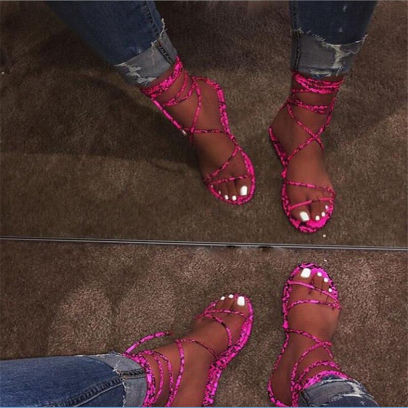 Sandalias con Tanga plana para mujer, Color caramelo, Corss atado, encaje bohemio femenino, zapatos casuales de playa, calzado de moda para mujer, Verano
