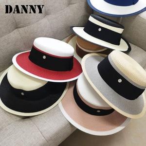 2021 New Summer Elegant Retro Women Flat Top Straw Hat Trip Caps Leisure Beach Sun Hats M Letter Breathable Flower Beach Hat