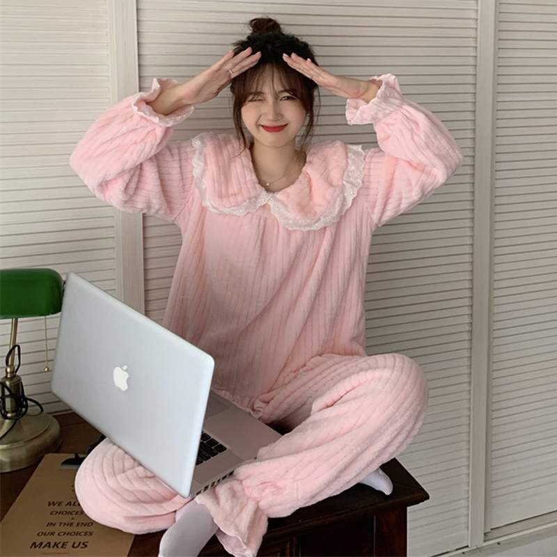 Women Pajamas Coral Velvet Home Suit Autumn And Winter 2021 New Lace Splicing Sweet Aging Long Sleev