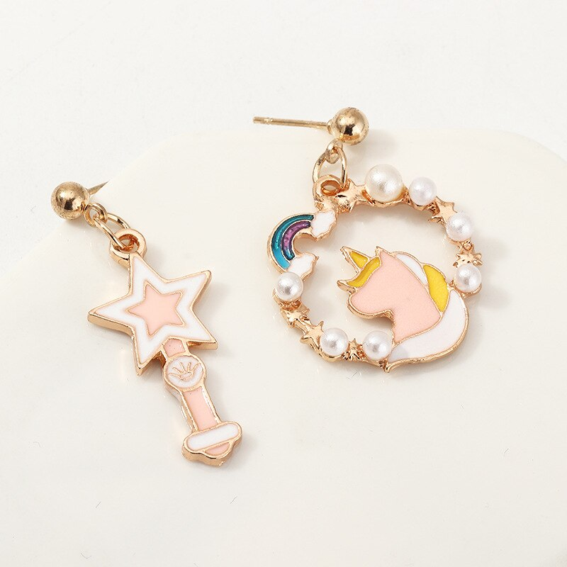 Anomokay europea y americana moda unicornio pentagrama pendiente de asimetría Toro lindo fresco colorido perla de esmalte pendientes