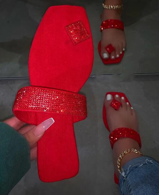 2020 Red Beach Non-slip Durable Spring New Single Finger Rhinestone Bright Diamond Slippers Candy Color Flat Women Sandals