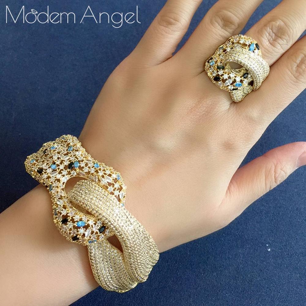 ModemAngel más nuevo de marca famosa de lujo bobinado Cruz geometría cúbica Zironia joyería CZ establece mujeres Boda nupcial conjunto de anillo de brazalete