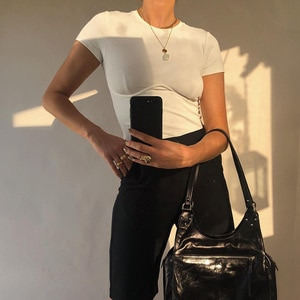 AIIOU минимализм новые летние жилеты для женщин Модная хлопковая одежда с О-образным вырезом укороченный топ пикантные однотонные футболка зауженного кроя на каждый день по доступной цене, повседневная одежда для женщин