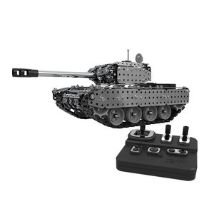 2021 952PCS 2.4G RC Military Tank DIY Assembly set Stainless Steel Remote Control Model Toy Built-in 3.7V 300MAh lithium battery