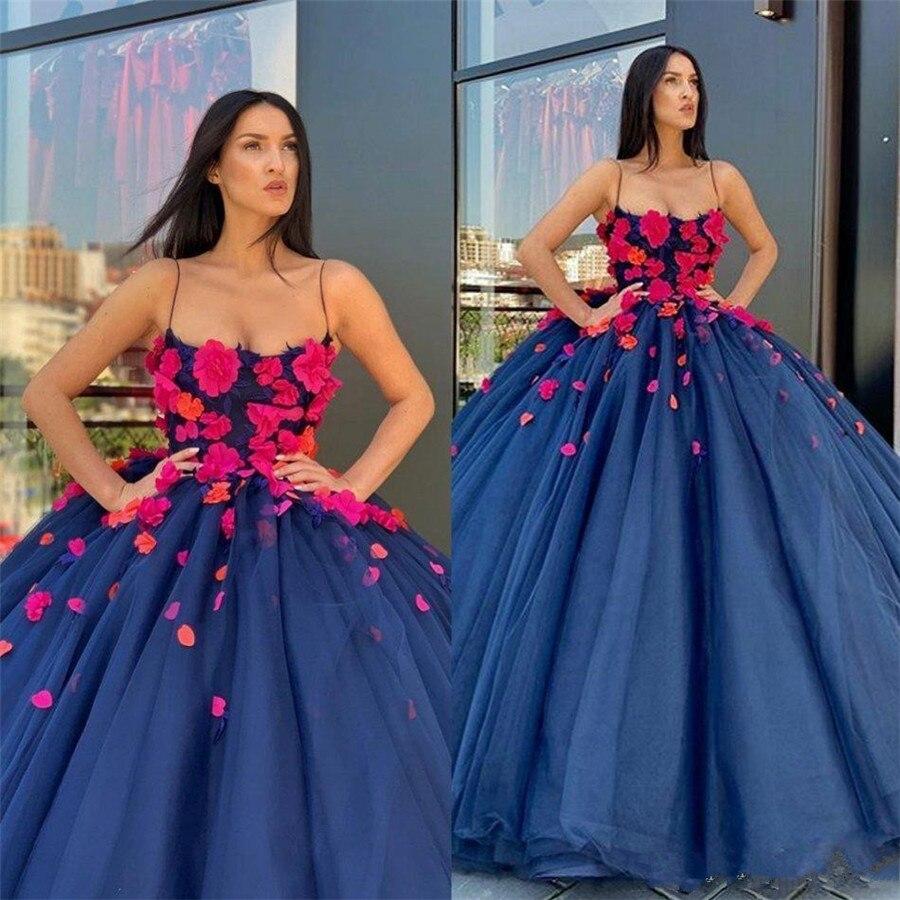 فستان زفاف مثير مع شرائط سباغيتي ، ثوب الكرة ، زهور ثلاثية الأبعاد ، فستان زفاف أميرة الربيع