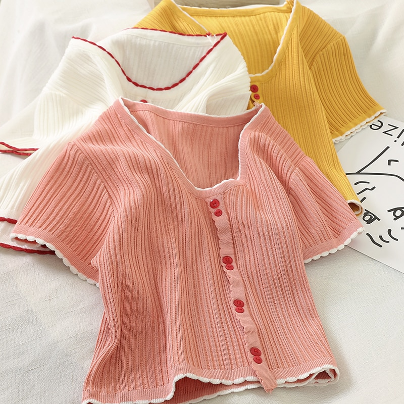 HELIAR Sommer Rosa T-Shirts Frauen V-ausschnitt Kurzarm Zugeknöpft Volant Saum T Casual Streetwear Gestrickte Tees Für Frauen Tops