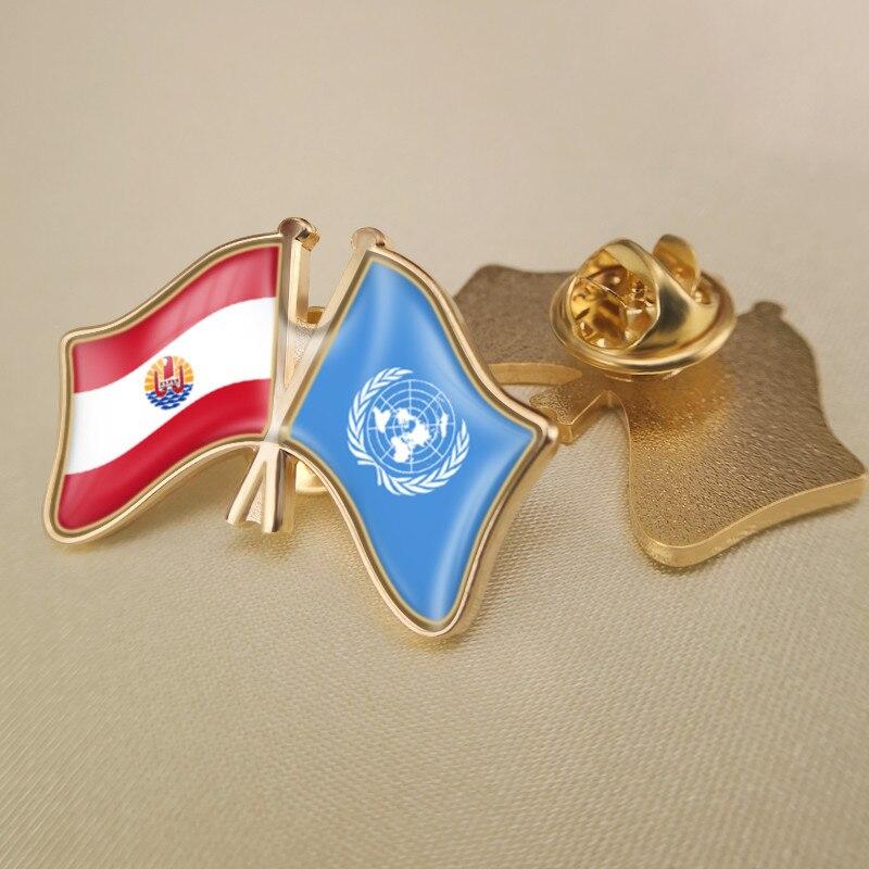 Prendedores de solapa con banderas de doble amistad cruzados de las Naciones Unidas y la Polinesia Francesa