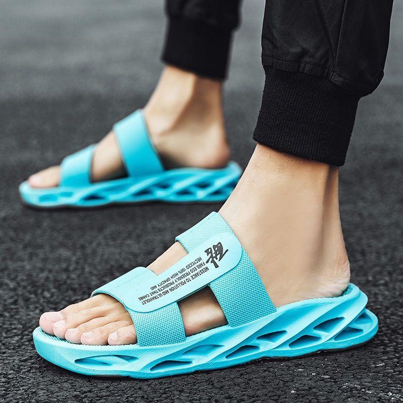 Chinelos de Verão ao ar Coslony Homem Livre Praia Tendência Simples Azul Sapatos Antiderrapantes Deslizantes Homens Chinelos Confortáveis Macio 2021