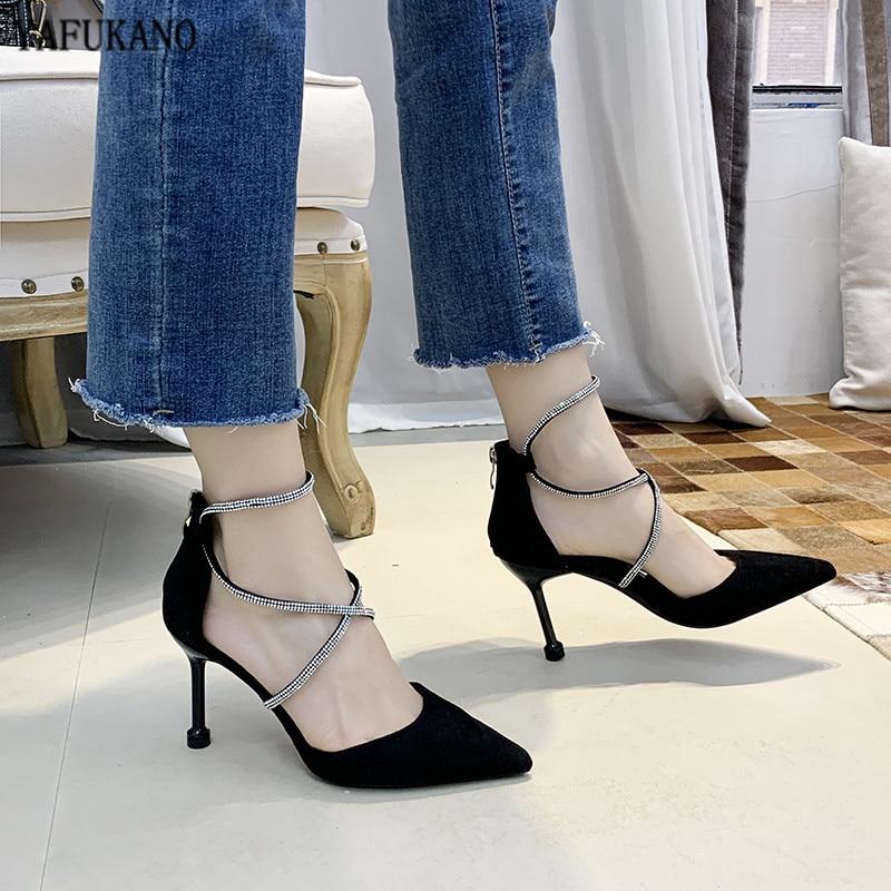 Tacones altos para mujer, 2020, nuevo diseño de marca, Sexy banda cruzada negra, diamantes de imitación a la moda, puntiagudos, zapatos de tacón Nude, zapatos de fiesta elegantes
