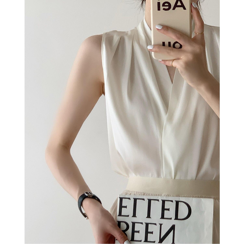 Sleeveless Satin Silk Shirt Women's 2021 Summer Thin Design Sense Laminated V-neck Commuter Top Tank
