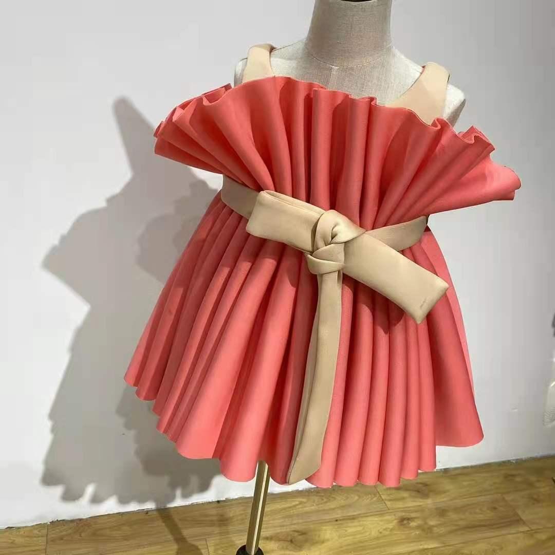 الراقية فستان مخصص المبالغة فستان الأميرة الطرف أرسلت في 25 يونيو