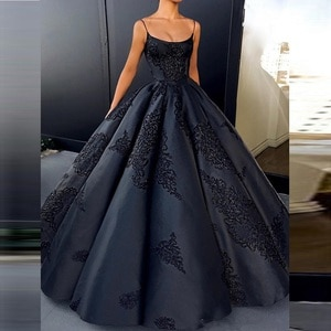 Sexy Spaghetti Lace Appliques Ball Gown Wedding Dresses Pleated Long Bridal Gowns Lace Up Back Custom Made Gothic