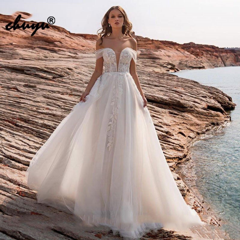 Get ChuYu Charming Boho Beach Lace Bridal Wedding Dresses with Off Shoulder Sleeves Sweetheart Open Back Long A-line Unique Design