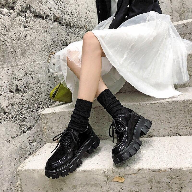 Otoño e Invierno señoras moda rebelde ancho-soled zapatos de las mujeres casual charol lace-up botas de las mujeres negro clásico FD-16