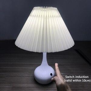 Modern Black White E27 LED Table Lamp for Bedroom Living Study Room Restaurant Nightstand Nordic Decoration Indoor Lighting