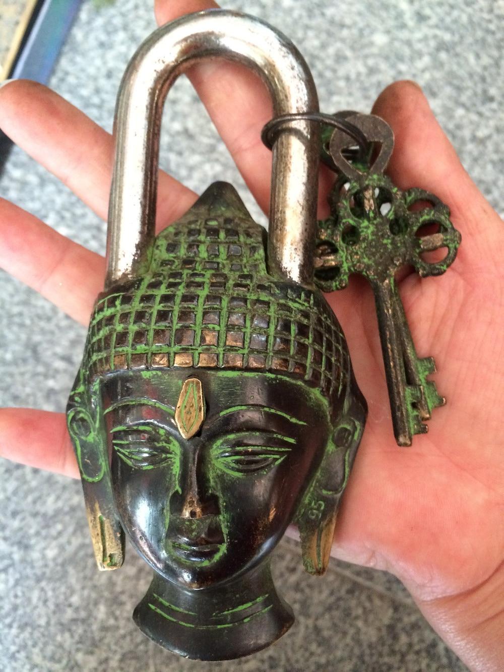 Raro chino antiguo estilo grande de latón tallado Buda cabeza estatua cerradura...