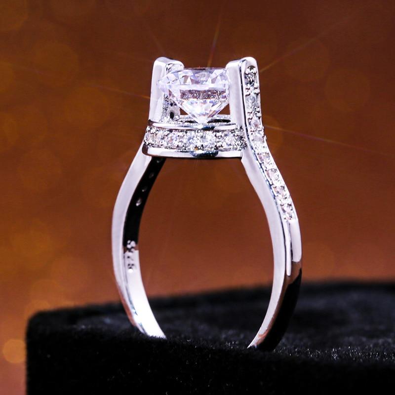 Huitan Trendy Creative Women Ring Super Clear Stone Suspension Middle Cubic Zircon Design Surprise Gift For Girlfriend Hot Sale
