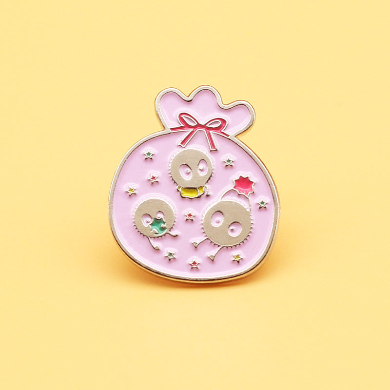 Broche de Spirited Away, pines esmaltados Miyazaki Hayao, regalos de joyería de moda para hombres y mujeres, insignias de solapa de película de anime
