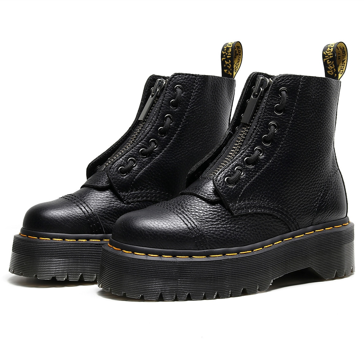 prova perfetto punk style women ankle boots special two kinds of wear rivet studded martin boots lace up genuine leather botas 2021 Leather Zipper Martin Boots Ankle Leather Shoes Women Boots Motorcycle Boots British Couple Boots Zapatos Mujer Botas