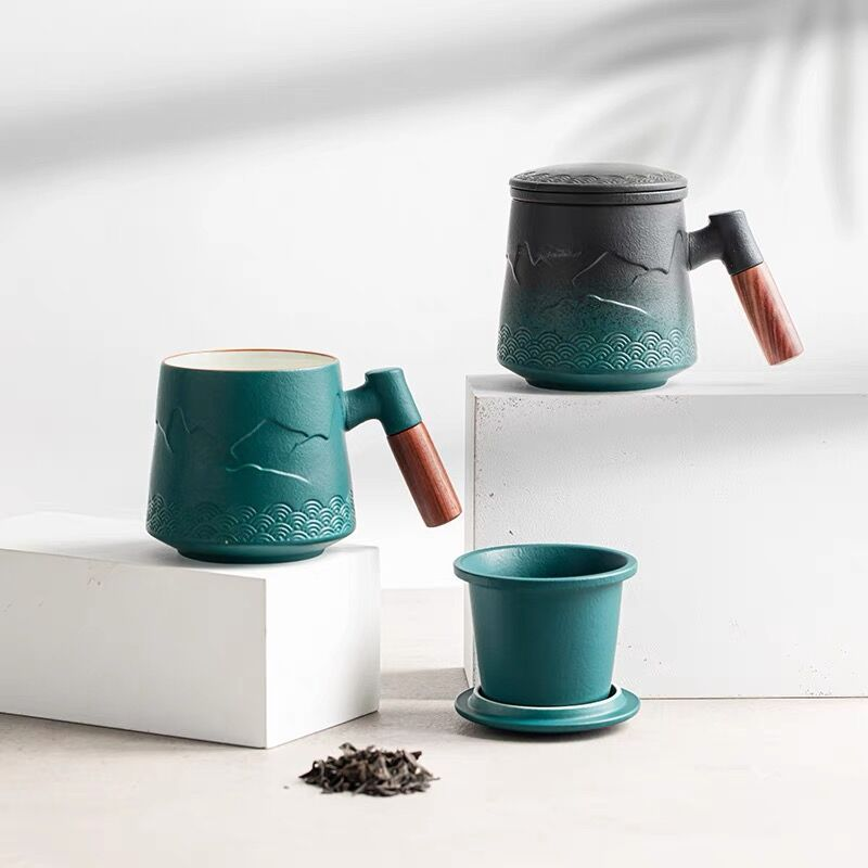فنجان شاي بمقبض من خشب الصندل 13 كوب السيراميك بأوقية مع الخزف إينفوسير وغطاء طقم هدايا ساخن أو قهوة 1-Pack أخضر غير لامع