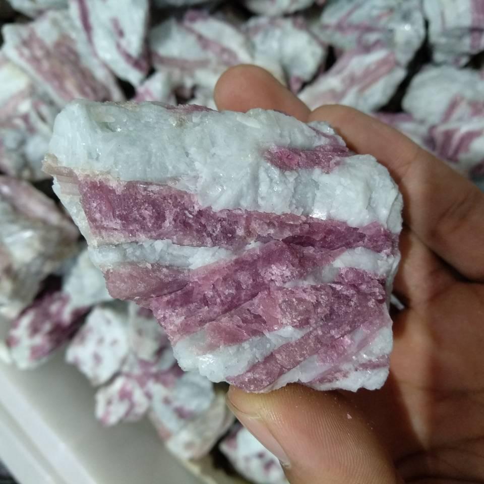 150g, cristal de turmalina roja, espécimen áspero, 100% Natural