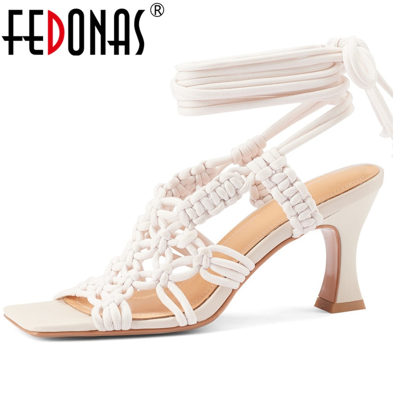 FEDONAS 2021 موضة حذاء نسائي بكعب عالٍ من الصنادل ل Woemn الدانتيل يصل رائجة البيع أحذية امرأة Summe rأحدث حفلة موسيقية الزفاف النساء مضخات