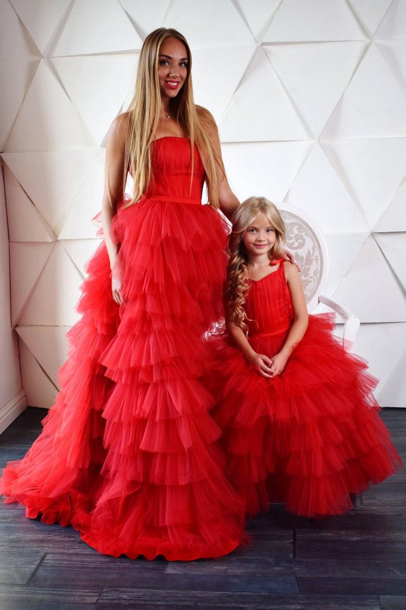 2020 vestido De baile escalonado rojo vestidos formales para madre e hija Vestido largo De fiesta De graduación De tul hinchado Vestidos De fiesta De noche