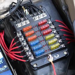 12 way blade caixa de fusível bloco titular led indicador automático marinho 12 v 32 v à prova dwaterproof água motocicleta carro peças profissionais alta qualidade