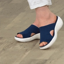 2021แฟชั่นผู้หญิงรองเท้าแตะฤดูร้อนกลางแจ้งชายหาดหญิง Flats Plus ขนาดรองเท้าแตะสบายๆสบายๆสุภาพสตร...