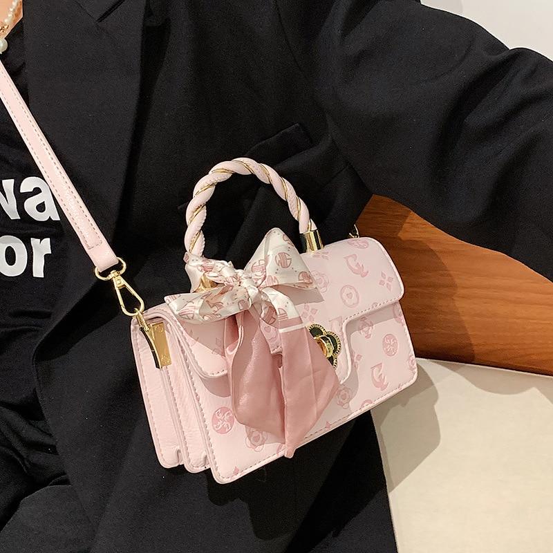 حقائب يد جلدية نسائية 2021 مصمم حقائب اليد الاتجاه الجديد تنقش وشاح حريري حقيبة كتف المحمولة الملمس حقيبة ساعي