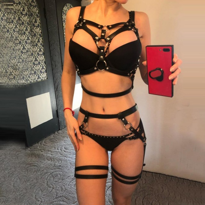 Hot Selling Black Leather Garter Two Piece Set Sexy Harness Bra Cage Adjustable Suspenders Belts Metal Rivet Clubwear For Lady