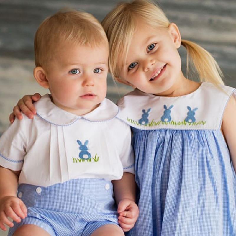 مجموعة ملابس الأولاد والبنات الإسبانية ، والقمصان القصيرة المطرزة ، والقمصان ، والملابس المتطابقة للأخ والأخت ، والصيف