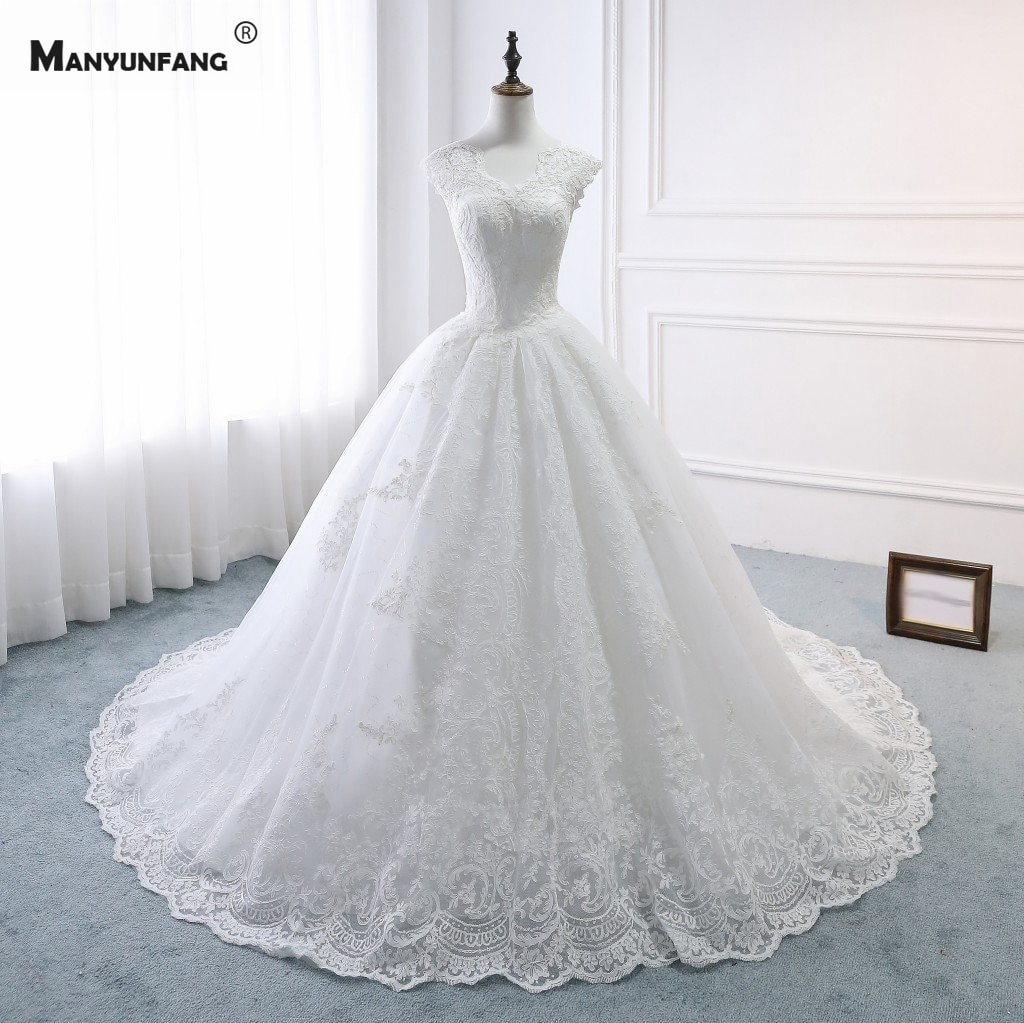 100% Real High-End Cap Sleeve Embroidery Appliques Tulle Chapel Train Bridal Ball Gown Elegant V-Neck Lace Up Wedding Dress