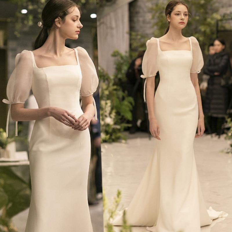 2021 New Elegant Simple Slim Square Neck Satin Korean Vintage Bubble Short Sleeve Sweep Train Wedding Gown Wedding Dress White