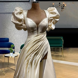 Ivory Princess Puff Sleeves Square Neckline Ruched Skirt Vintage Pearls Embellishment Robe Chic Dress robes de soirée femme chic